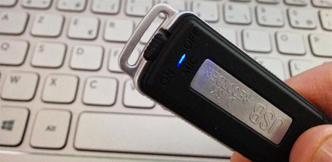 Générique VTESZ00005, une clé USB avec un micro espion